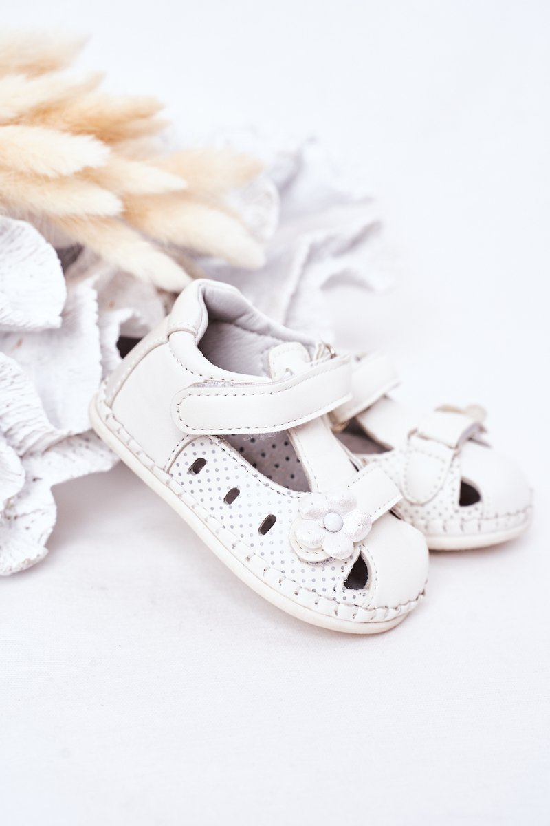 Children's Leather Sandals With Velcro White Flowers