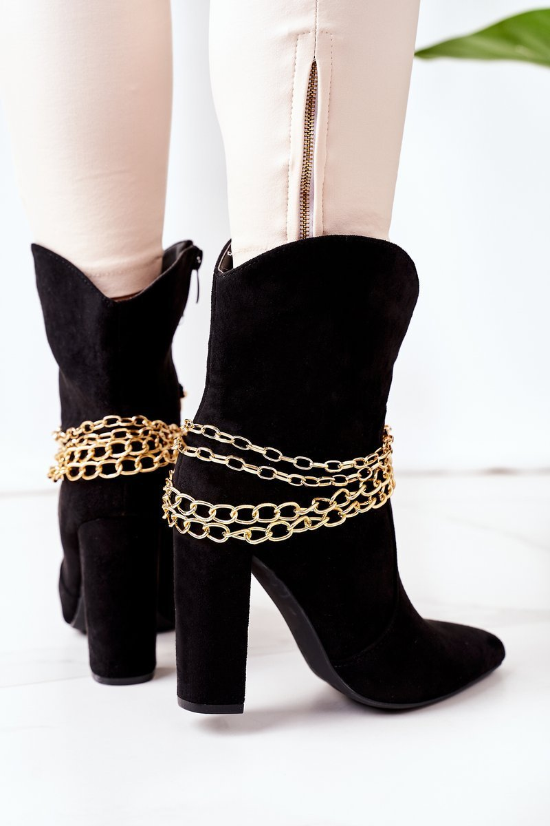 Insulated Boots On A Block Heel Black Good Impression