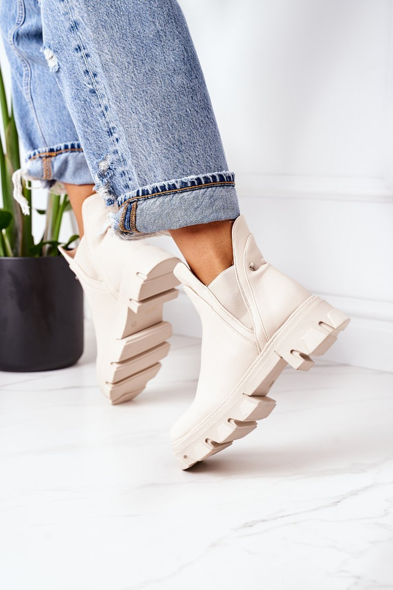 Insulated Chelsea Boots Beige Hashtag