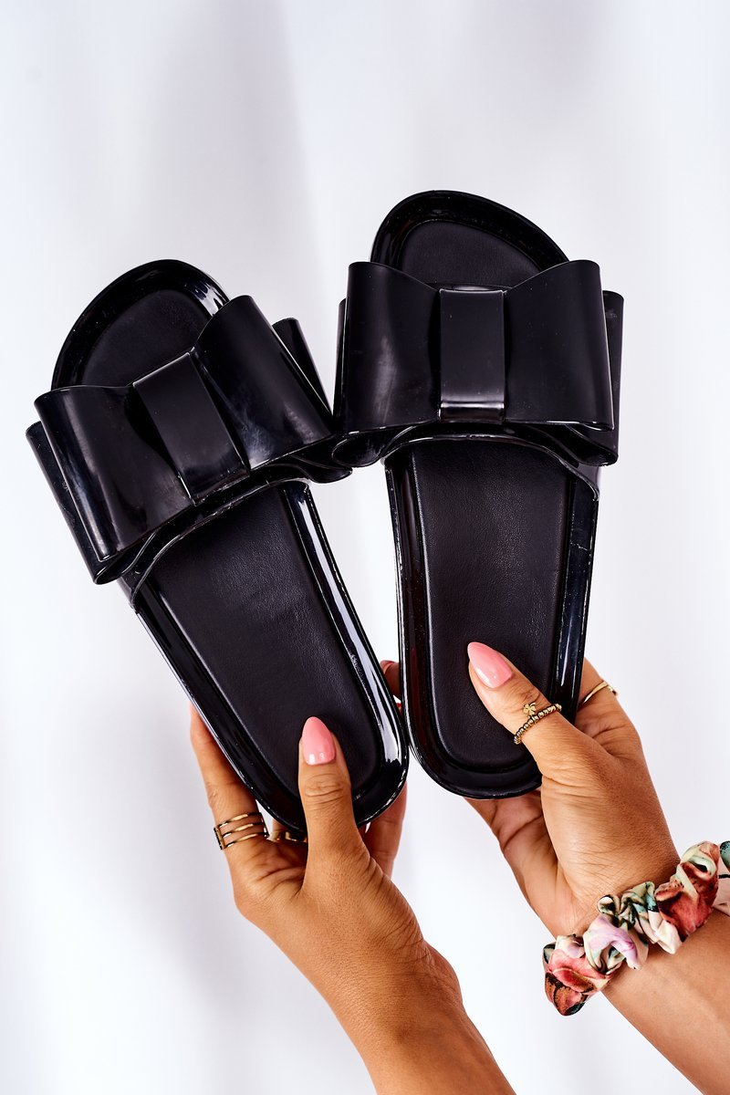 Rubber Slippers With A Bow Black April