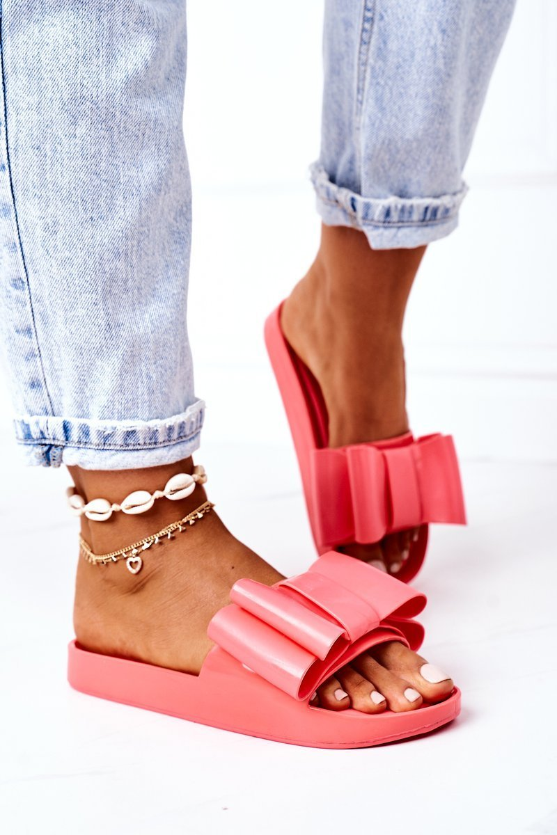Rubber Slippers With A Bow Coral April
