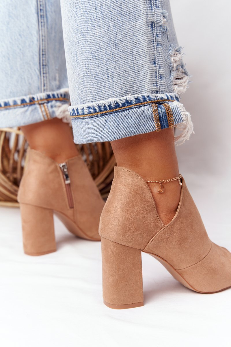 Spring Suede Boots On A Block Heel Vinceza 21-17095 Beige