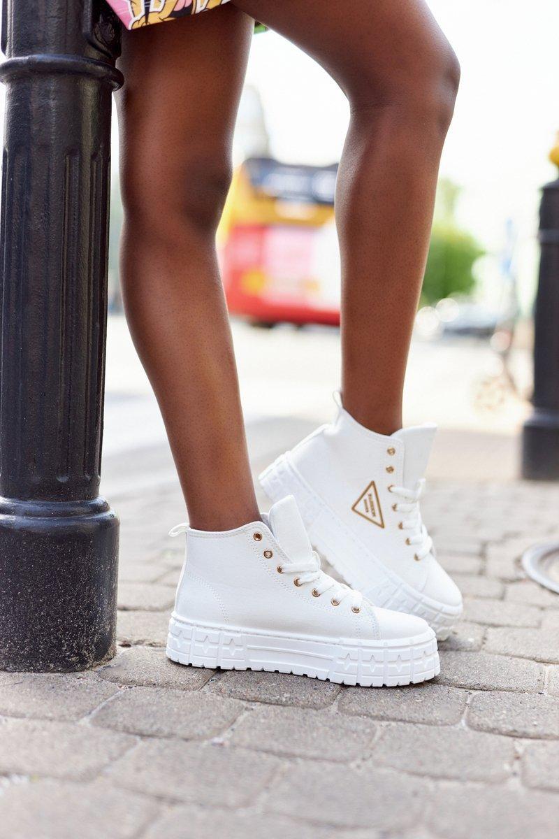 Women's High Sneakers On A Platform White Manhattan